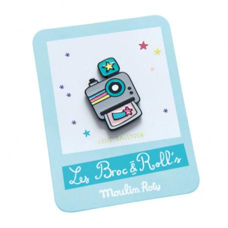 Enamelled pin brooch - Camera