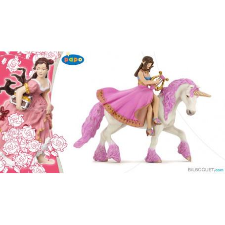 Princesse à la lyre sur son cheval